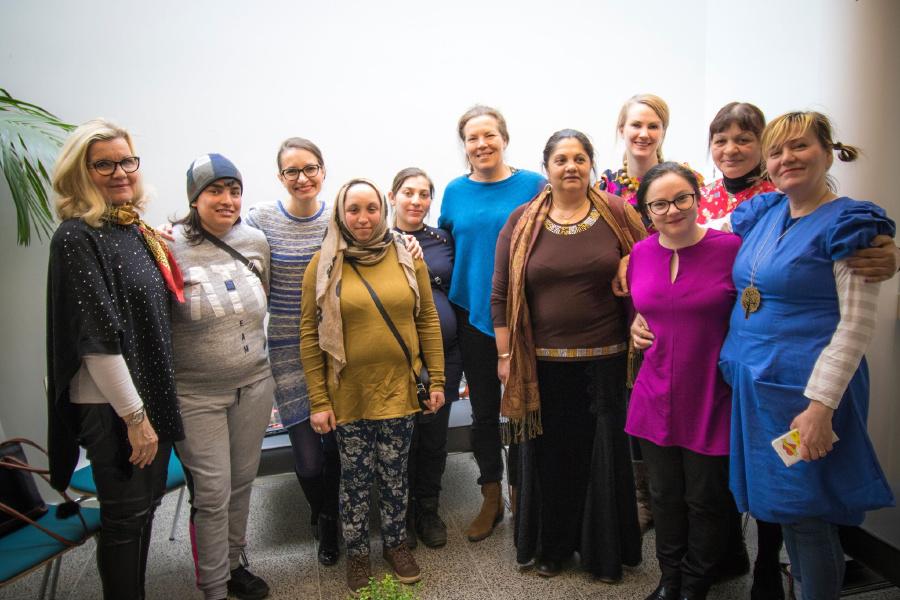 Ryhmä naisia.