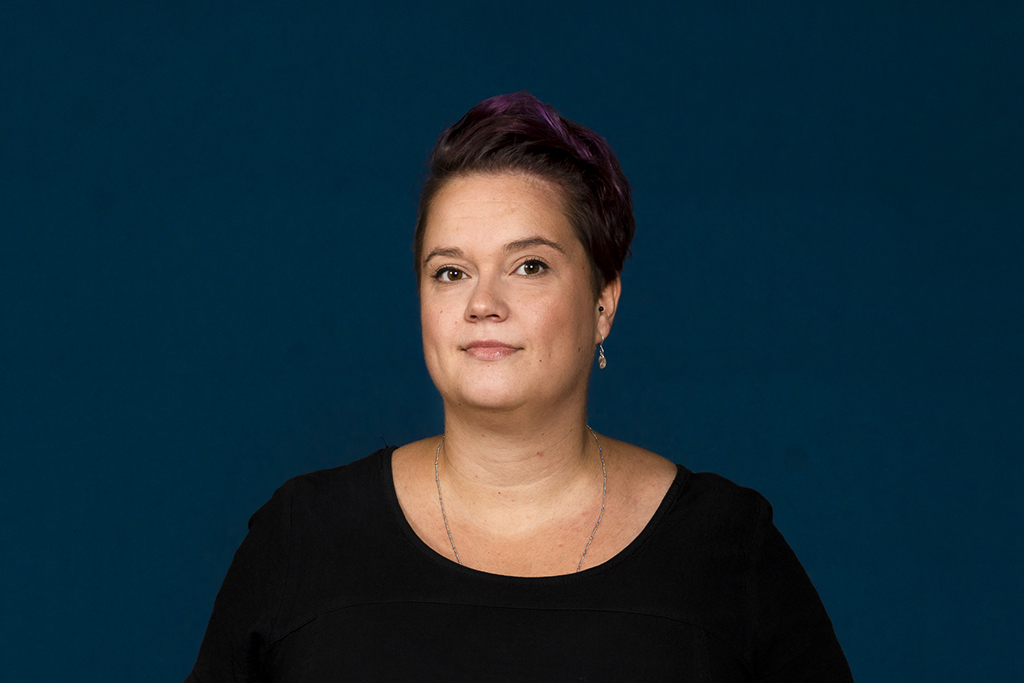 Projektityöntekijä Sari Rantaniemi Naiserityisyys asunnottomuudessa -hankkeesta.